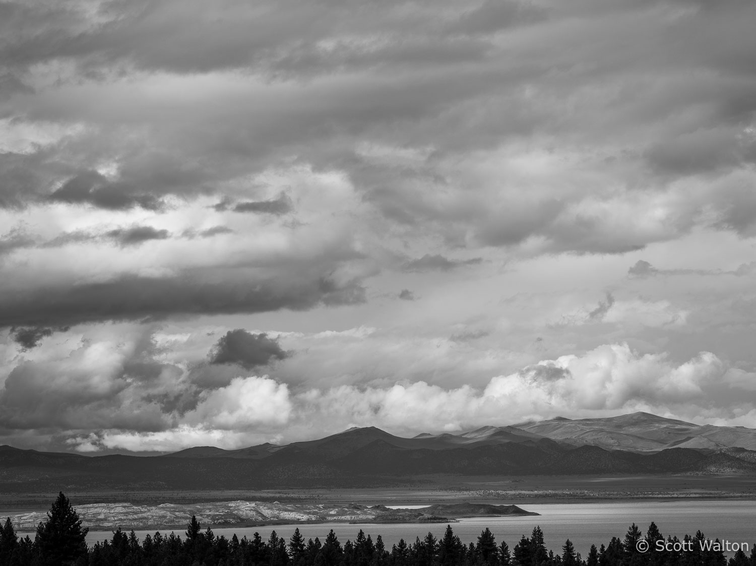 mono-lake-autumn-clouds-eastern-sierra-california.jpg