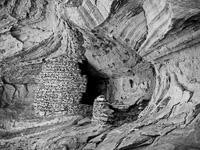 alcove-structure-bw-monument-valley-navajo-tribal-park-arizona.jpg