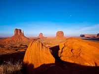 moonrise-mittens-monument-valley-navajo-tribal-park-utah.jpg
