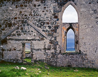 church-ruins-horiz-kilmuir-isle-of-skye-scotland.jpg